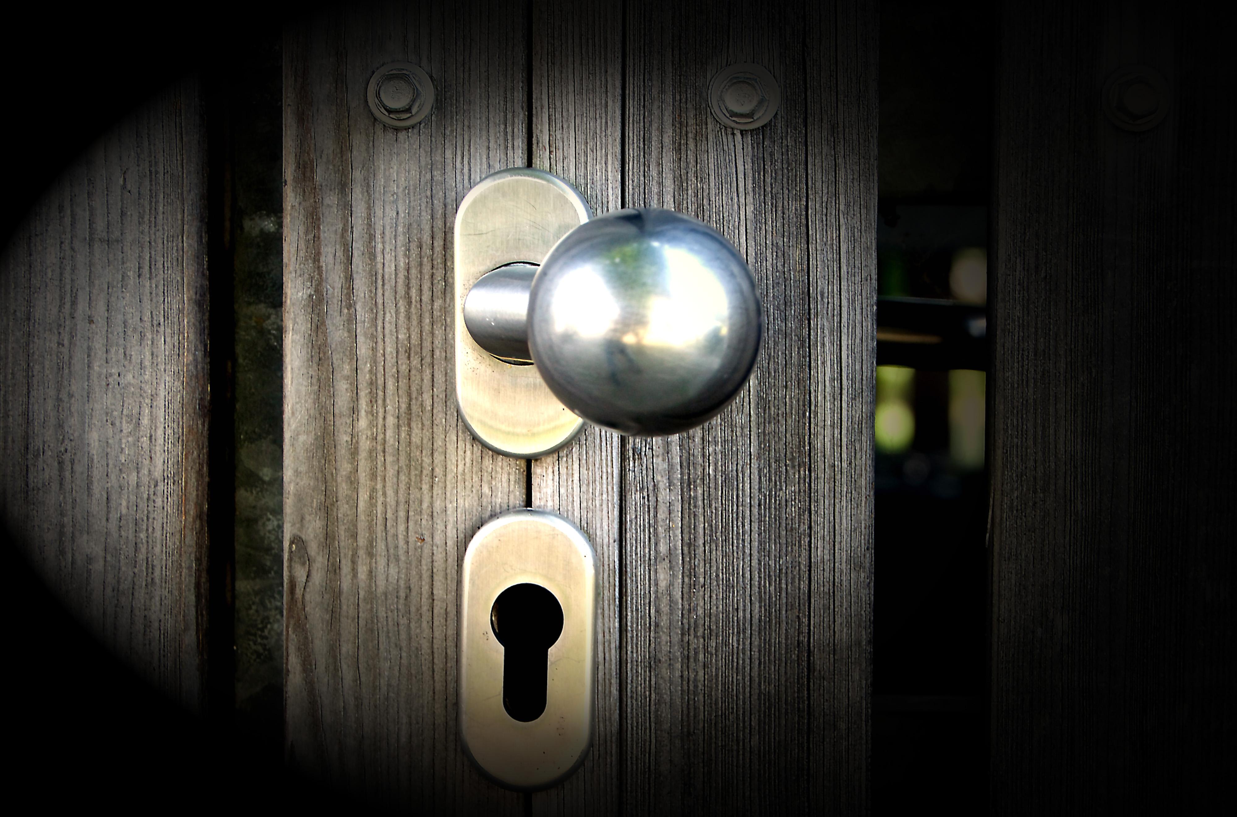 Closing Door
